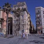 el barrio de la barceloneta es uno de los más tradicionales de la ciudad condal